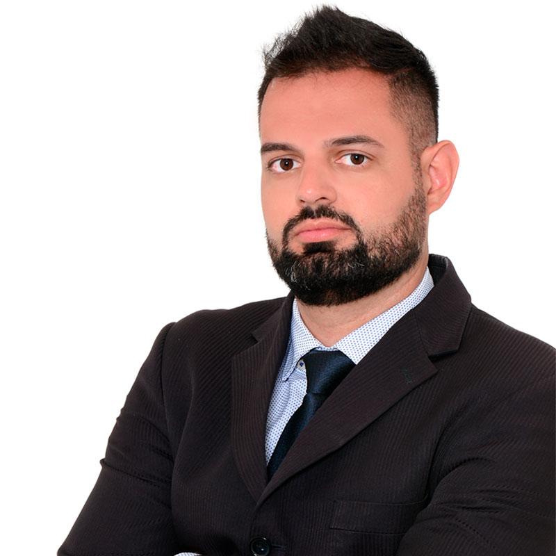 https://chebabi.com/wp-content/uploads/2021/07/Renan-Barros.jpg
